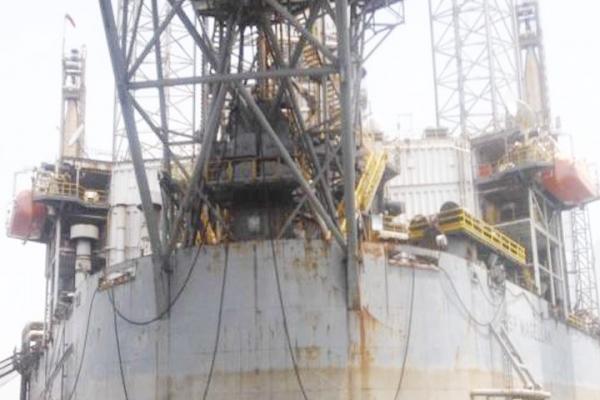 06oil-gas84A4D1BE-04FB-CFA6-3A34-5A2F379EC0A2.jpg