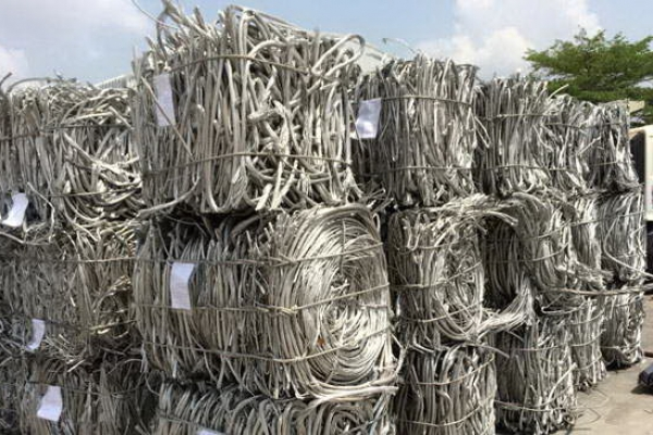 01aluminum-wire-scarp_exposureD217EA49-B8AE-9A87-4C4B-CCA60FB833A2.jpg