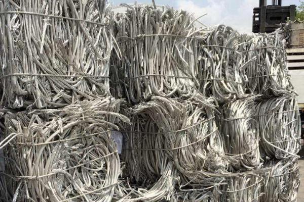 04aluminum-wire-scarp_exposure0BB782C2-0C10-9169-D69C-CA30A270A7EB.jpg